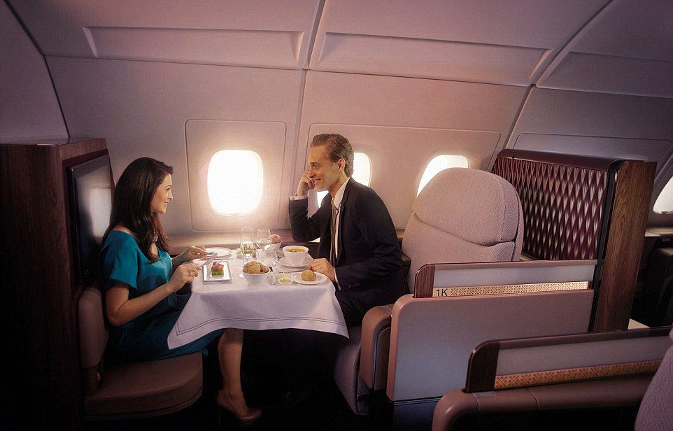 Qatar Airways A_couple_dining_in_the_first_class_area_of_the_A380